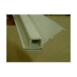 Joint superieur de traverse blanc / Prémonté - carré. 3000mm